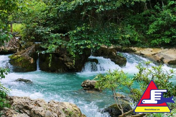 Hang Pác Bó Tour du lịch Hà Giang Thác Bản Giốc Hồ Ba Bể 5 ngày 4 đêm